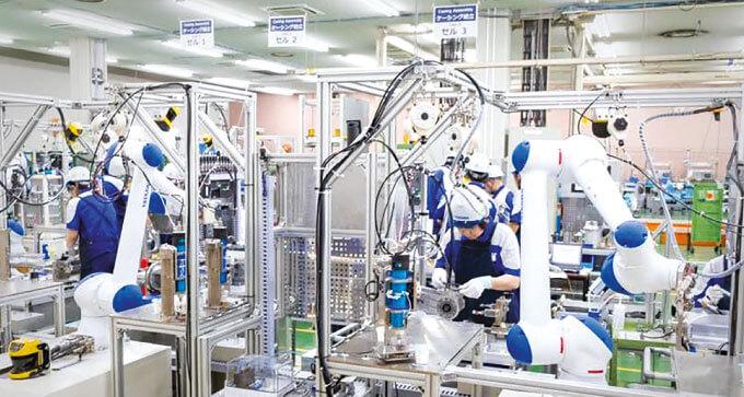 安川電機は自社工場に協働ロボットを導入している