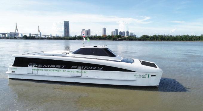 タイ企業が電動双胴船公開 バッテリーなども自社生産