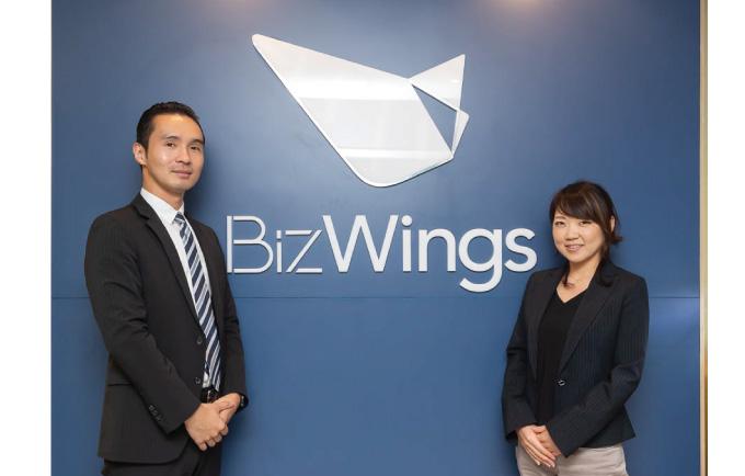 右はBizWingsアシスタントなどを担当する東槇マネージャー